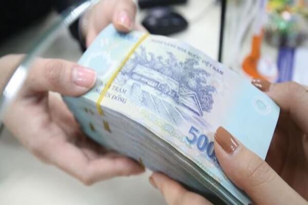 Các cách rút tiền từ ngân hàng