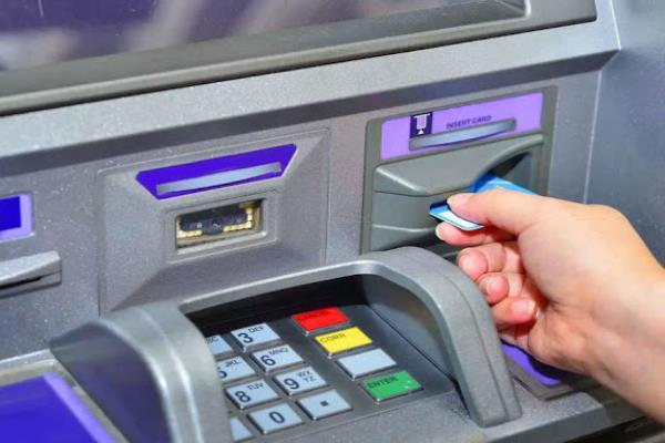 Cách chuyển khoản qua thẻ ATM